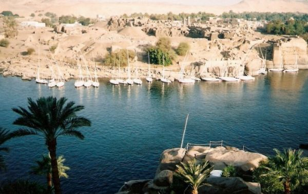 Aswan Budget Layovers Excursions