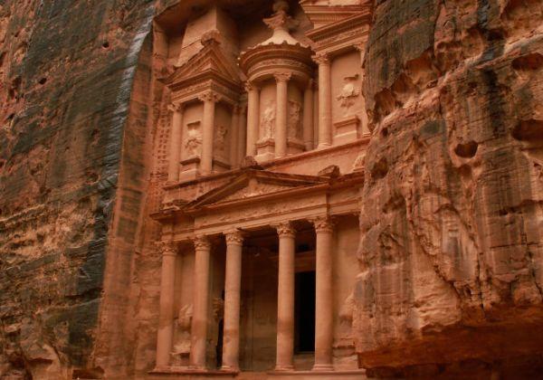 Low Cost Holidays to Petra Jordan