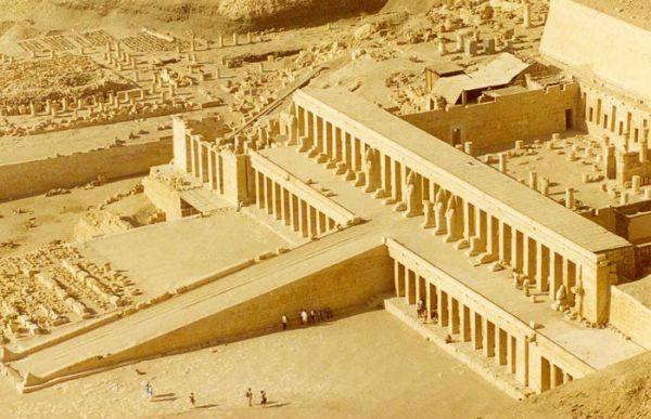 Deir El Bahari Temple, Luxor Trippers.