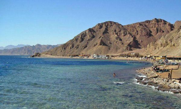 Blue Hole Snorkeler, Ras Abu Galom, Dahab.