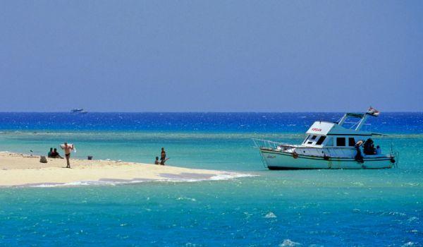 Geziret Faraun Swim, Taba Beach.
