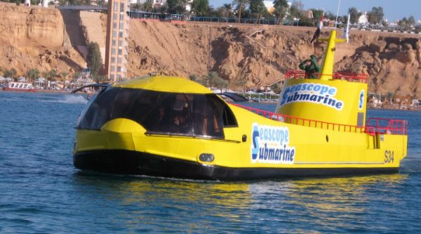 Red Sea Sub mariners Discount Touring, Egypt.