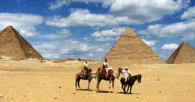 Cairo Half Day Tours to Giza Pyramids
