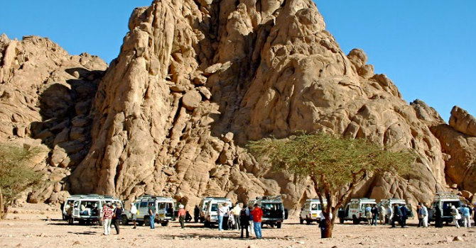 Hurghada Bedouin Dinner Safari Trip